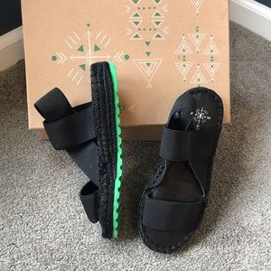 NWT Free People Sandals